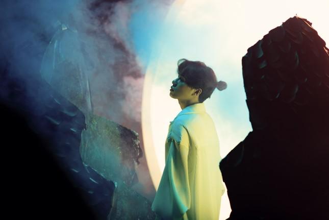 """Jack ẩn ý sự tái sinh trong teaser mới, """"chốt đơn"""" ra mắt MV """"Hoa Hải Đường"""" vào 22/9 ảnh 2"""