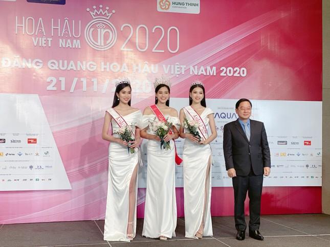 Top 3 Hoa Hậu Việt Nam 2020 lần đầu xuất hiện sau đăng quang, sẵn sàng giao lưu trực tuyến ảnh 2