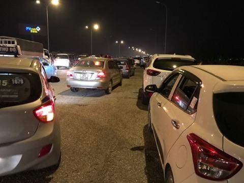 Ùn tắc kinh hoàng gần 10km trên cao tốc Cầu Giẽ - Ninh Bình ảnh 3