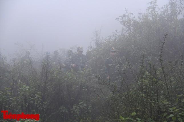 Theo chân chiến sĩ tuần tra biên cương trong mù sương giá rét ảnh 13
