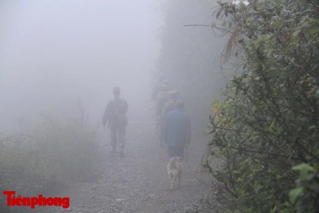 Theo chân chiến sĩ tuần tra biên cương trong mù sương giá rét ảnh 7