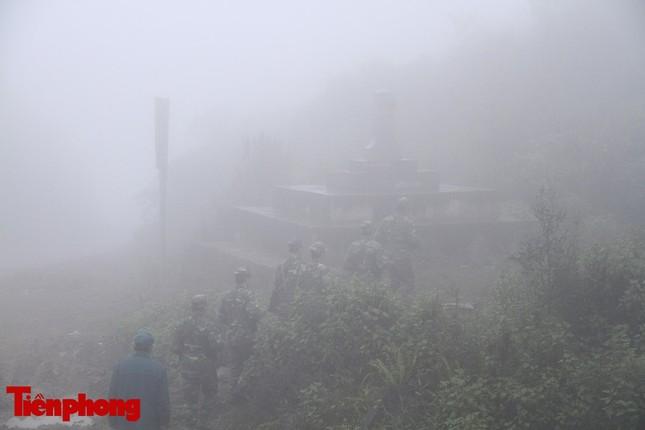 Theo chân chiến sĩ tuần tra biên cương trong mù sương giá rét ảnh 9