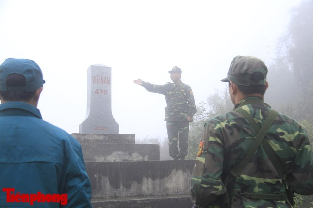 Theo chân chiến sĩ tuần tra biên cương trong mù sương giá rét ảnh 10