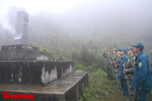 Theo chân chiến sĩ tuần tra biên cương trong mù sương giá rét ảnh 11