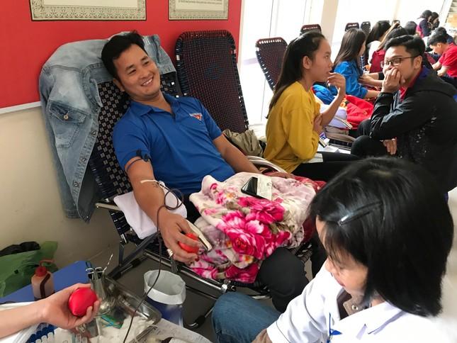 Xứ Thanh rộn ràng ngày hội hiến máu Chủ nhật Đỏ ảnh 10