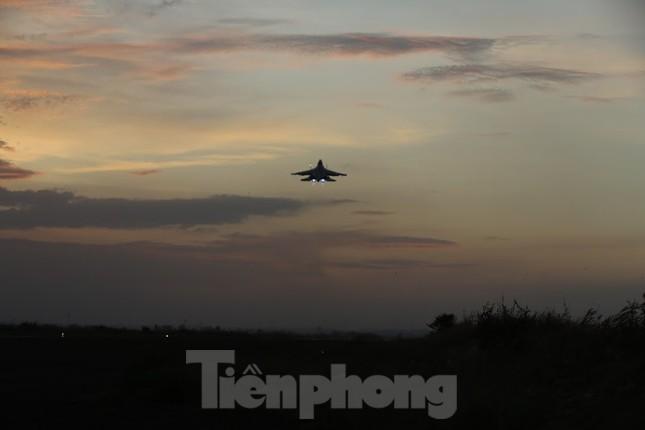 Su-30MK2 – Những 'thiên binh' canh trời - giữ biển ảnh 11