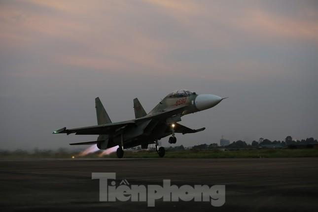 Su-30MK2 – Những 'thiên binh' canh trời - giữ biển ảnh 8
