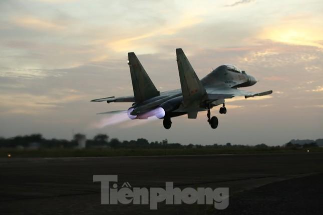 Su-30MK2 – Những 'thiên binh' canh trời - giữ biển ảnh 9