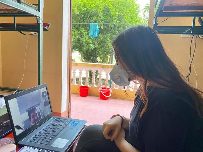 Tâm sự du học sinh làm 'cô giáo online' trong khu cách ly ảnh 3
