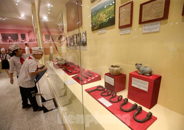 Thăm bảo tàng 'hoành tráng' vừa khánh thành chào mừng ĐH Đảng bộ tỉnh Yên Bái ảnh 12
