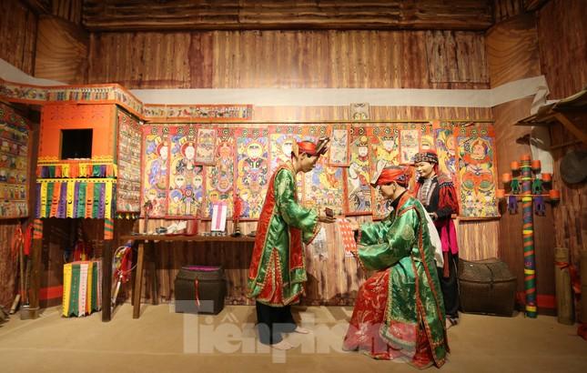 Thăm bảo tàng 'hoành tráng' vừa khánh thành chào mừng ĐH Đảng bộ tỉnh Yên Bái ảnh 13