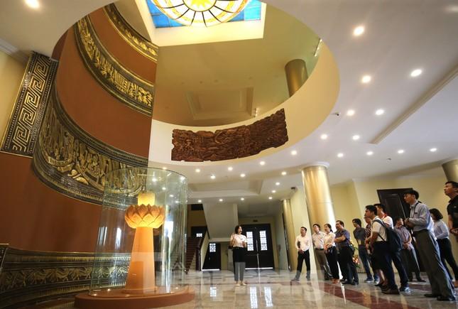 Thăm bảo tàng 'hoành tráng' vừa khánh thành chào mừng ĐH Đảng bộ tỉnh Yên Bái ảnh 2