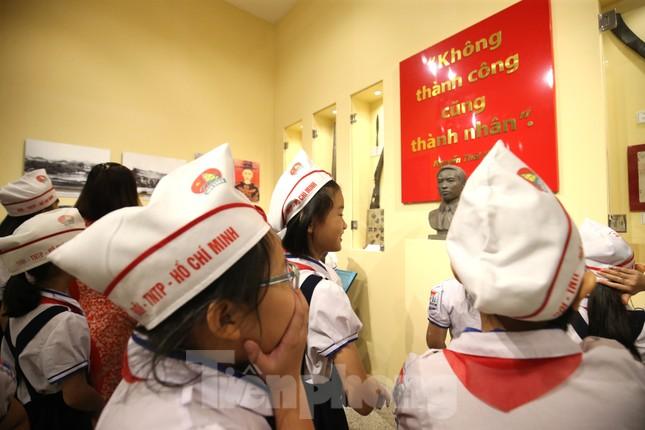Thăm bảo tàng 'hoành tráng' vừa khánh thành chào mừng ĐH Đảng bộ tỉnh Yên Bái ảnh 9