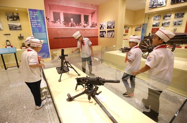 Thăm bảo tàng 'hoành tráng' vừa khánh thành chào mừng ĐH Đảng bộ tỉnh Yên Bái ảnh 10