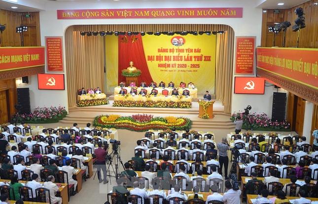 Bầu 15 người tham gia Đoàn Chủ tịch Đại hội Đảng bộ tỉnh Yên Bái ảnh 1