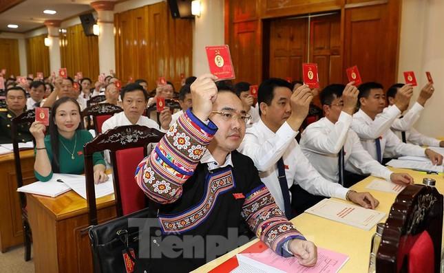 Bầu 15 người tham gia Đoàn Chủ tịch Đại hội Đảng bộ tỉnh Yên Bái ảnh 6