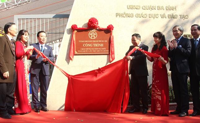 Hà Nội gắn biển 2 công trình trường học chào mừng Đại hội Đảng ảnh 1