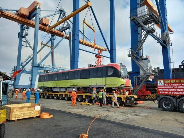 Hà Nội: Đoàn tàu thứ ba metro Nhổn – Ga Hà Nội về đến Việt Nam ảnh 2