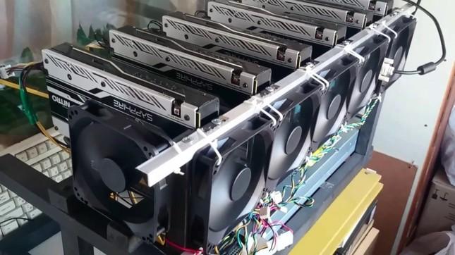 Thêm hàng ngàn máy đào Bitcoin nhập về TPHCM ảnh 1