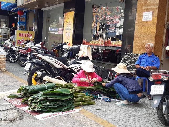 Chợ lá dong nửa thế kỷ ở Sài Gòn ế ẩm do heo tăng giá ảnh 10