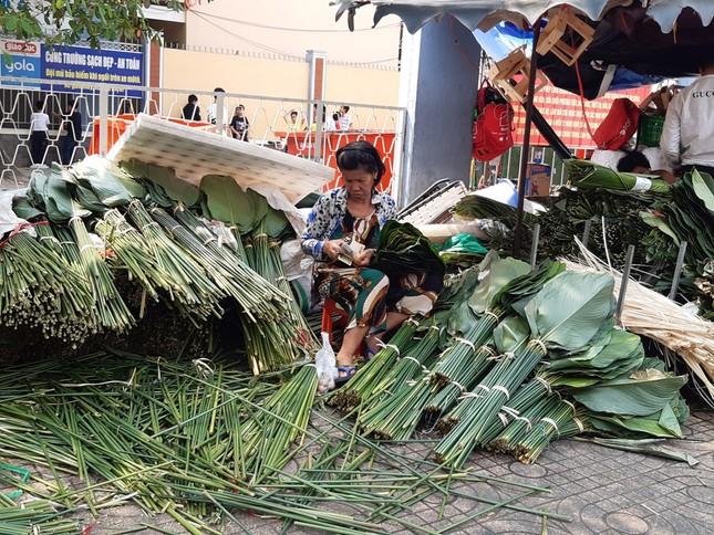 Chợ lá dong nửa thế kỷ ở Sài Gòn ế ẩm do heo tăng giá ảnh 1