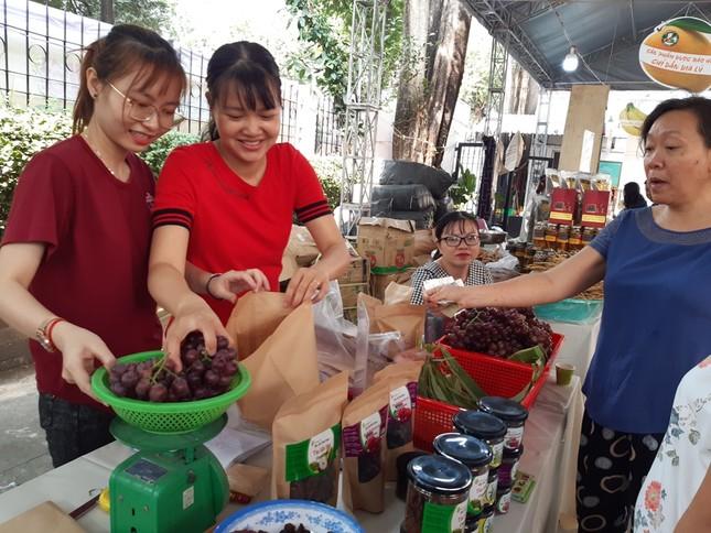 Hàng ngàn của ngon vật lạ vùng cao đổ bộ Sài Gòn ảnh 13