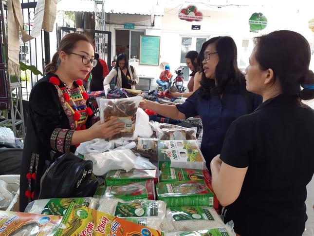 Hàng ngàn của ngon vật lạ vùng cao đổ bộ Sài Gòn ảnh 1