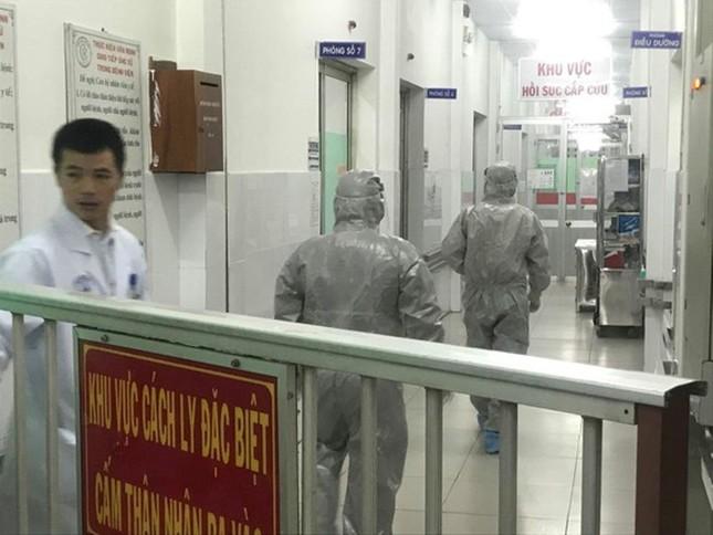 Thông tin mới 2 người Trung Quốc nhiễm virus corona đang bị cách ly ở TPHCM ảnh 3