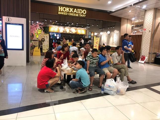 Trung tâm mua sắm, khu vui chơi Sài Gòn quá tải ngày cuối nghỉ Tết Nguyên đán ảnh 18