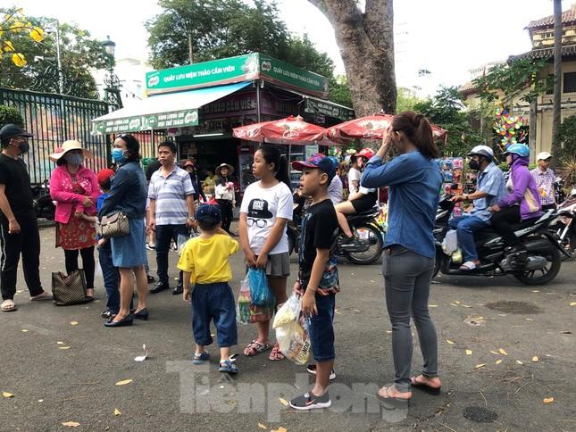 Trung tâm mua sắm, khu vui chơi Sài Gòn quá tải ngày cuối nghỉ Tết Nguyên đán ảnh 4