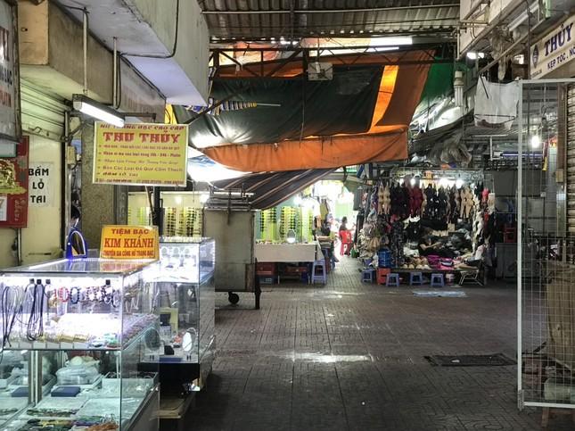 Tiểu thương chợ truyền thống TPHCM 'méo mặt' vì Covid-19 ảnh 10