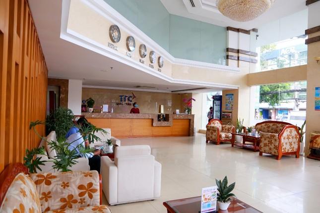 Khách sạn đầu tiên ở TPHCM trở thành nơi lưu trú cho các bác sĩ chống dịch ảnh 1