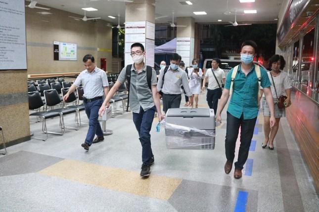 Hành trình hai đầu đất nước của 'thùng hành lý đặc biệt' để cứu người ảnh 2