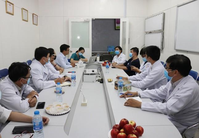 Bệnh viện Chợ Rẫy dồn toàn lực cứu chữa bệnh nhân phi công ảnh 5