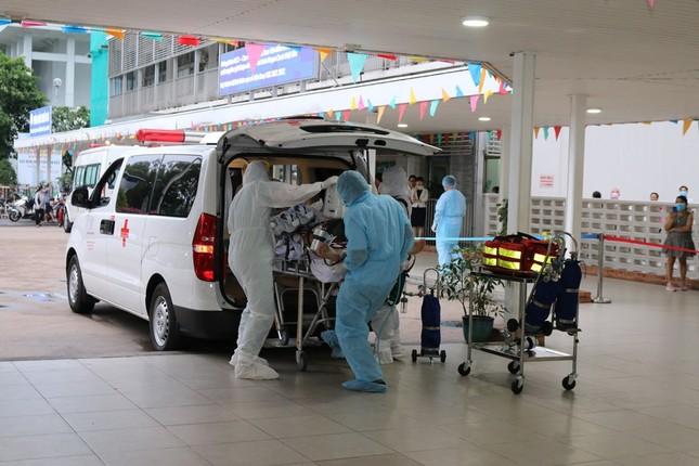 Bệnh viện Chợ Rẫy dồn toàn lực cứu chữa bệnh nhân phi công ảnh 3