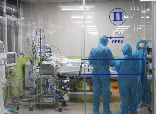 Bệnh viện Chợ Rẫy dồn toàn lực cứu chữa bệnh nhân phi công ảnh 4