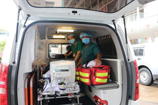 Bệnh viện Chợ Rẫy dồn toàn lực cứu chữa bệnh nhân phi công ảnh 1