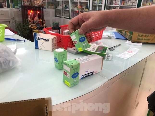 TPHCM: Đột kích nhà thuốc, phát hiện nhiều thực phẩm chức năng không rõ nguồn gốc ảnh 12