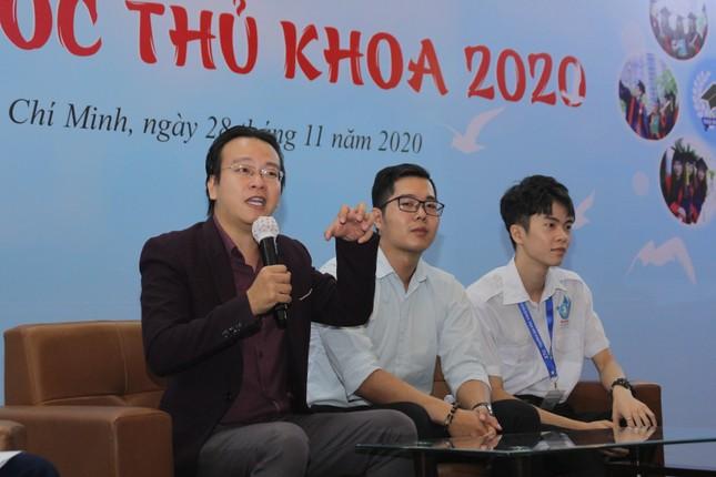 Nâng bước thủ khoa năm 2020: Những tâm sự truyền cảm hứng ảnh 2