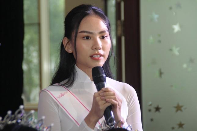 Hoa hậu Đỗ Thị Hà tâm sự xúc động với các tân thủ khoa ảnh 3