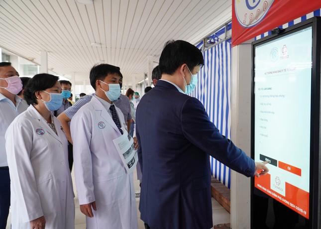 Bộ trưởng Nguyễn Thanh Long: Bệnh viện Chợ Rẫy có nhiều dấu ấn quan trọng ảnh 2