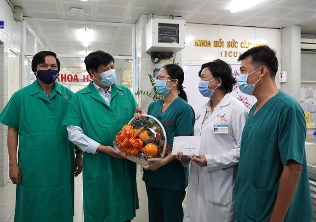 Bộ trưởng Nguyễn Thanh Long: Bệnh viện Chợ Rẫy có nhiều dấu ấn quan trọng ảnh 5