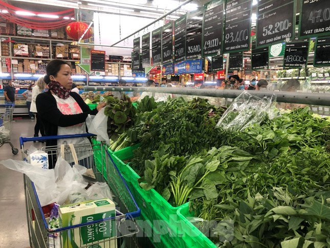 TPHCM: Ngành chức năng xét nghiệm tìm 'thực phẩm bẩn' tại chợ, siêu thị ảnh 7