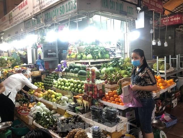 Giá nhiều loại thực phẩm tăng mạnh trước rằm tháng Chạp ảnh 2