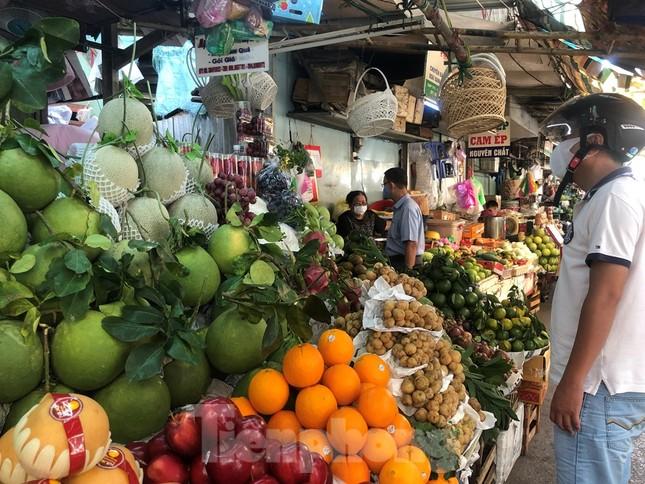 Giá nhiều loại thực phẩm tăng mạnh trước rằm tháng Chạp ảnh 1