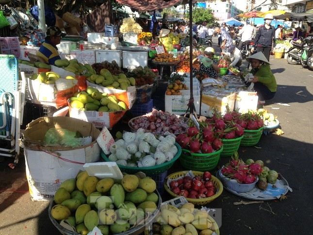 Giá nhiều loại thực phẩm tăng mạnh trước rằm tháng Chạp ảnh 5