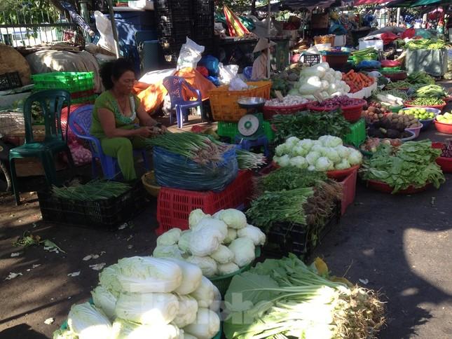 Giá nhiều loại thực phẩm tăng mạnh trước rằm tháng Chạp ảnh 8