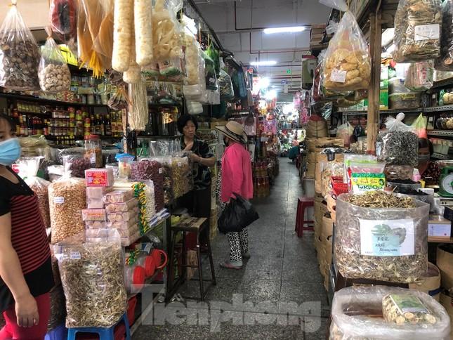 Giá nhiều loại thực phẩm tăng mạnh trước rằm tháng Chạp ảnh 13