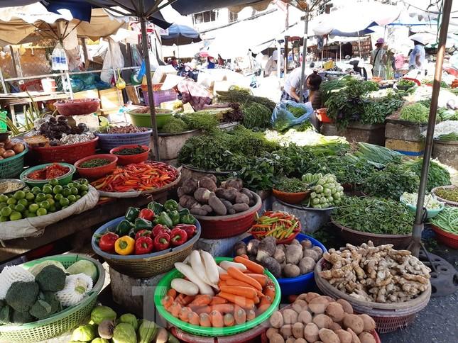 Giá nhiều loại thực phẩm tăng mạnh trước rằm tháng Chạp ảnh 9