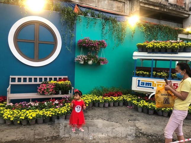 Chèo thuyền SUP lướt sông Sài Gòn đi chợ hoa Tết ảnh 20
